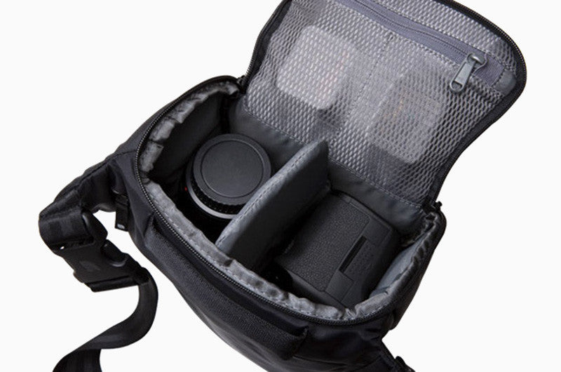 Nylon Carrying Case for DSLR Camera (Black)
