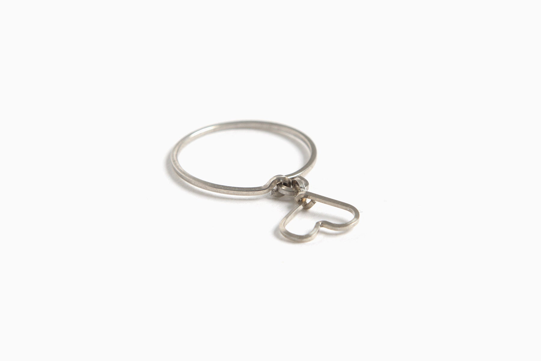 Charmed Heart Sterling Silver Wire Ring (Silver)