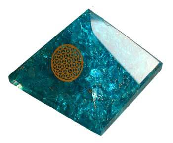 70mm Orgone Blue Topaz & Flower pyramid