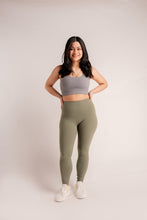 Load image into Gallery viewer, Lite Leggings in New Moss