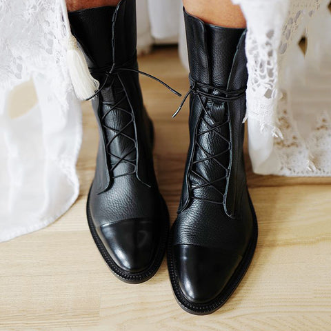 Comfortable flat bottom tie tube locomotive boots female shoes