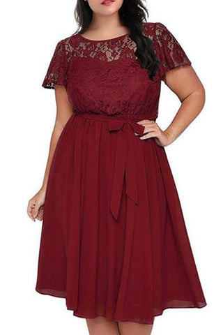 Plus-size Pure Color Lace Splicing Short Sleeved Frenulum Maxi Dress