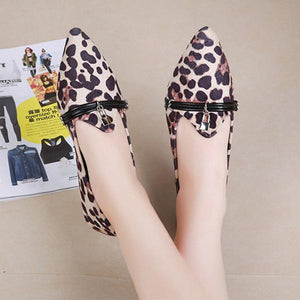 Leopard-Tip Point Flats