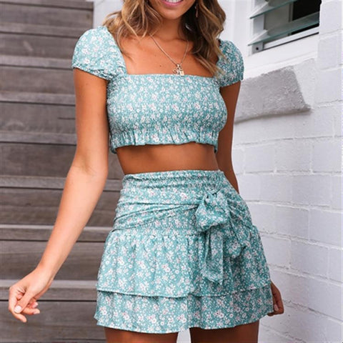 2019 New Slim Backless Sweet Short Sleeve Pleated Two Piece Set
