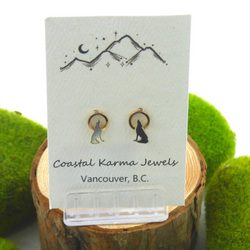 Coastal Karma Jewels- Earrings - Pacific Crest Howling Wolf