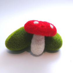 Honey Canada - DIY Felting Kit - Toadstool