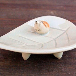 Kayo Benson - Ring Holder - Hedgehog on Leaf Dish  green