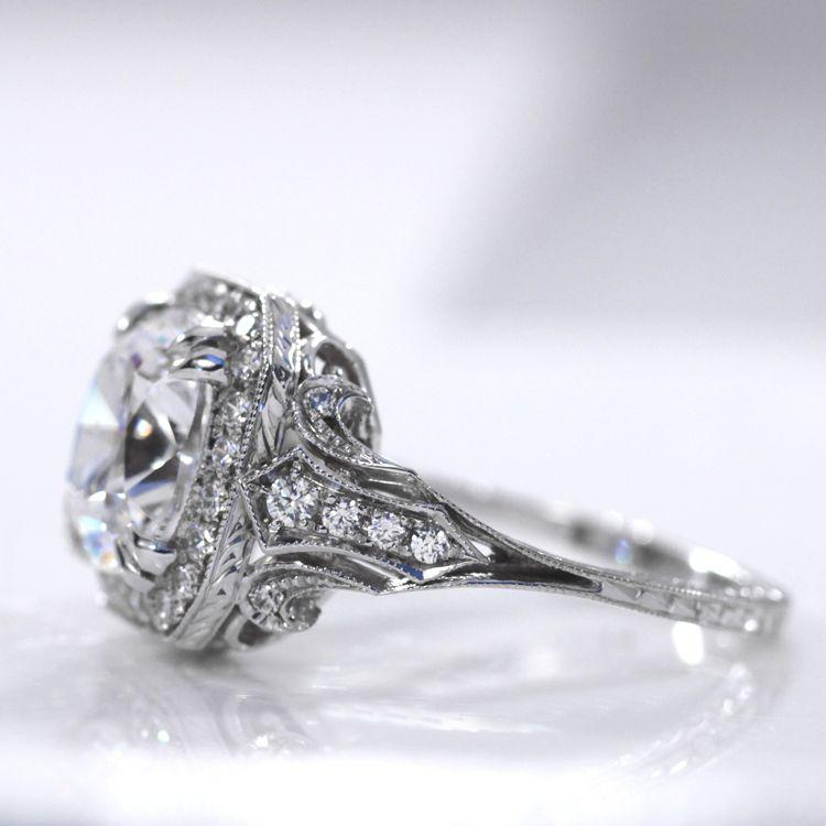 Quorri offers platinum affordable lab made diamond engagement rings in Canada