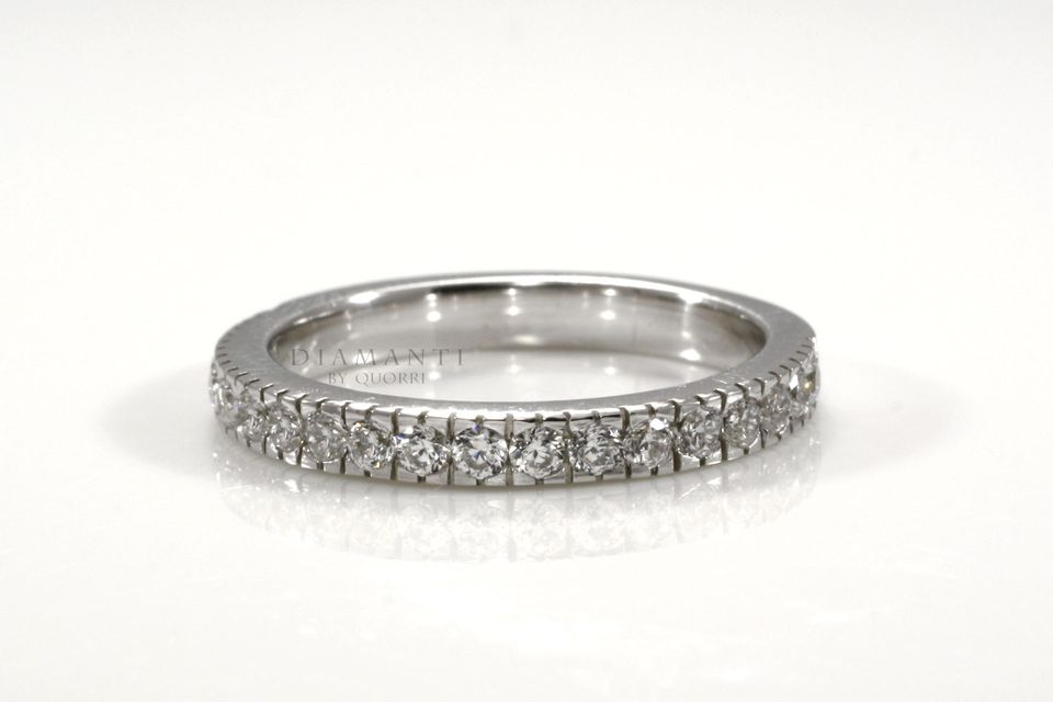 low cost high quality gold wedding bands at Quorri Canada