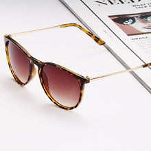 Load image into Gallery viewer, Classic Daily Sunglasses for Ladies and Gentlemen - Above Urban
