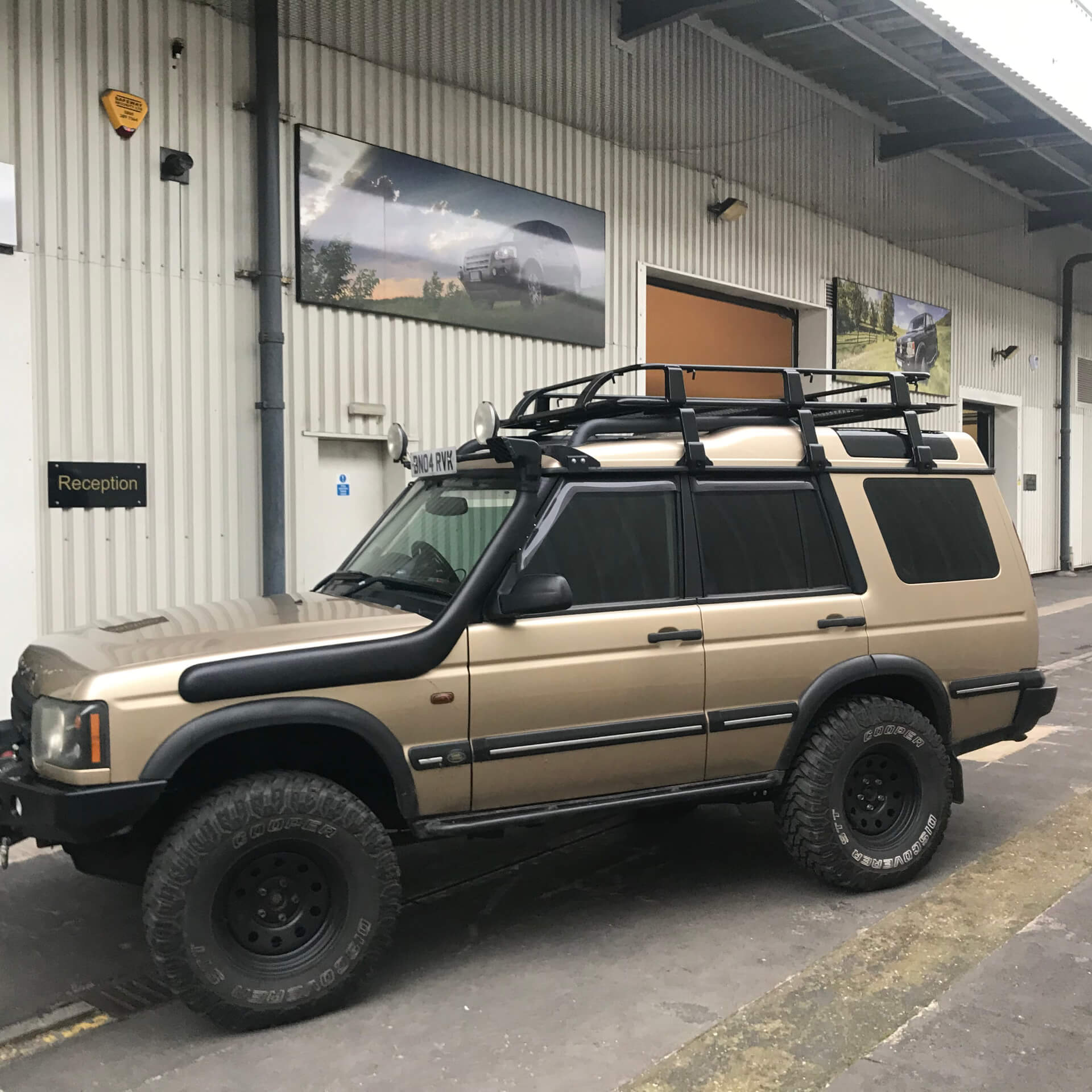 Direct4x4 Land Rover Discovery expedition roof rack system