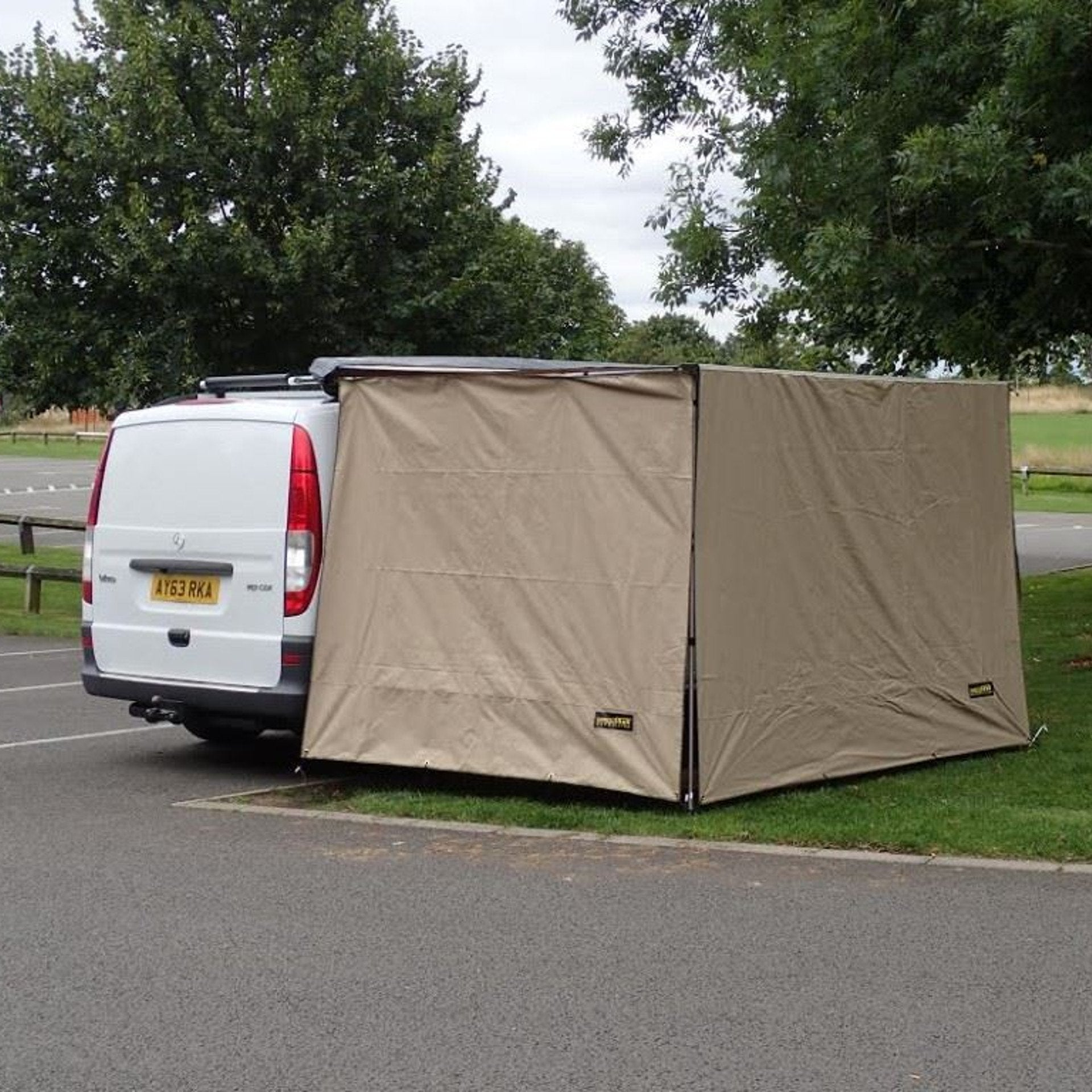 Expedition Pull out Awning Sand Yellow Side Windbreak Wall Extension