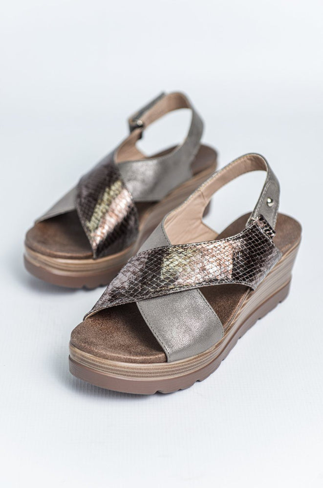 Cipriata Crossover Wedge Sandal - Bronze
