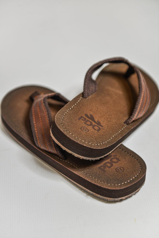 Load image into Gallery viewer, PDQ Toe Post Flip Flop Sandals