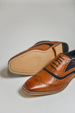 Load image into Gallery viewer, Roamers Tan Leather with Suede Shoes