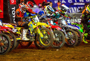 Suzuki's Alex Martin Endures Tough Glendale Supercross to Maintain Fifth in Championship Standings
