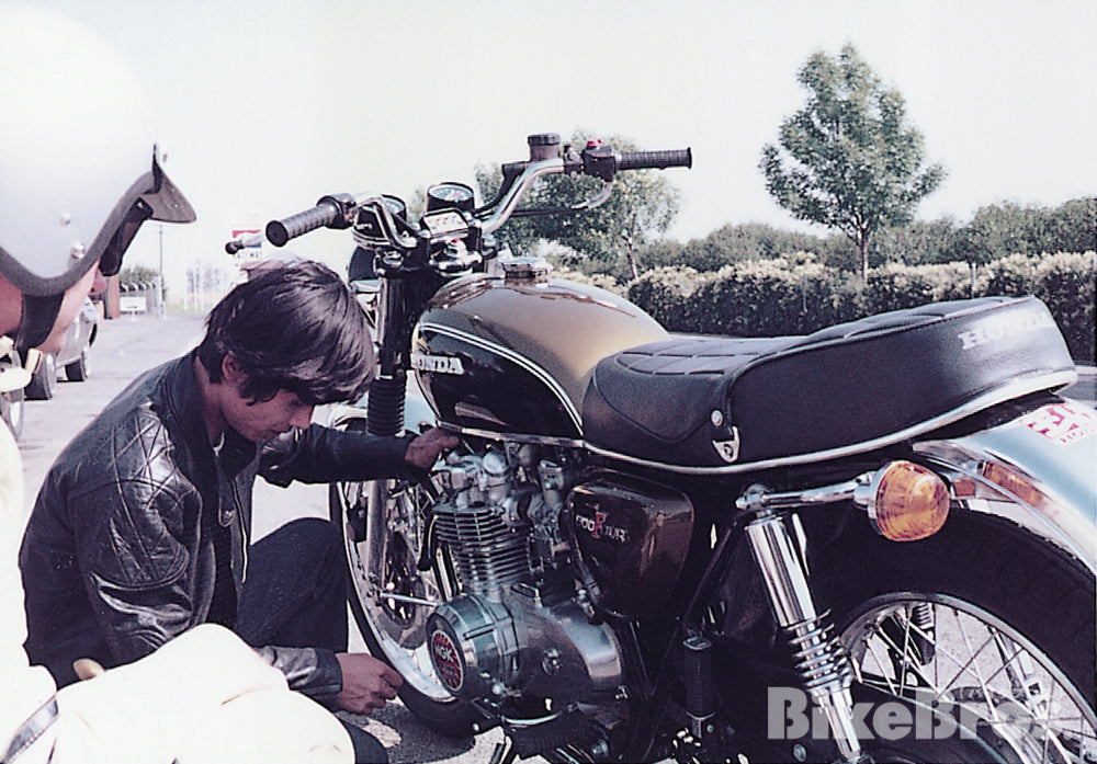 Fujio checks his beloved test mule Honda CB500 Four under the California sun
