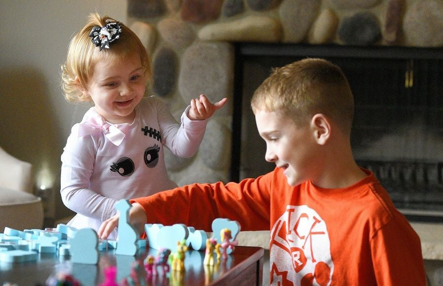After girl's open heart surgeries, Crystal Lake family gives back to Ronald McDonald House