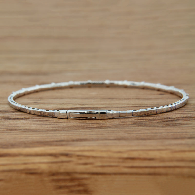 14kw dia bangle bracelet 13 fc dia 1/5cttw, flexible design, titantium wire, modified box clasp