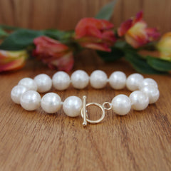 pearl bracelet with gold clasp