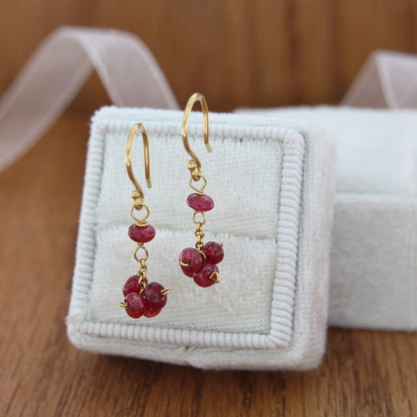 18k yellow gold dangle earrings with ruby rondel clusters with box