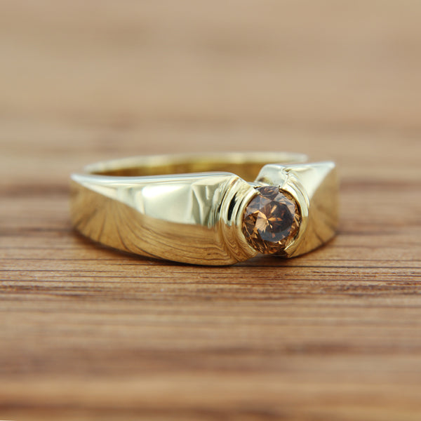 14K Yellow Gold Ring with Round Brilliant Cut Chocolate Diamond Half Bezel Set