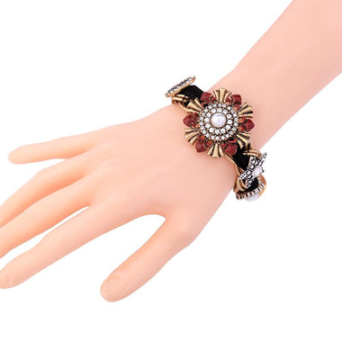 Unique Simulated Pearls Enamel Rhinestone Flower Charm Bracelet Women Alloy Vintage Bracelet Fashion Jewelry