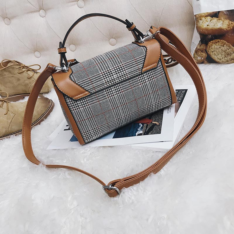 Guyonne Plaid Patchwork Messenger Handbag