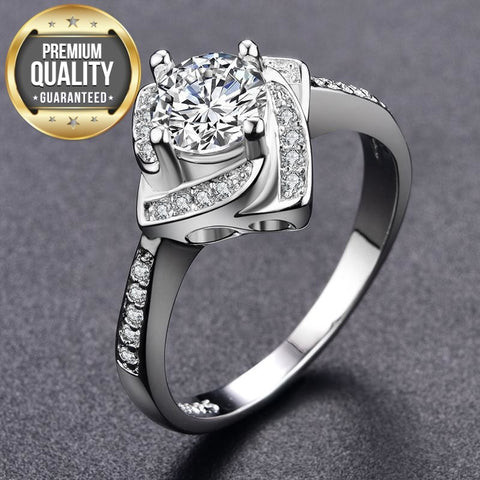 Image of Women's White Gold Color wedding AAA Zircon Jewelry luxury bague trendy bijoux Engagement rings Size 6 7 8 9 MSR095