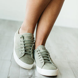 Classic All Season Round Toe Shoes Lace-up Canvas Sneakers