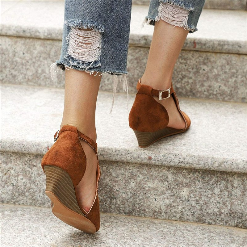 Women's Daily Adjustable Buckle Artificial Suede Shoes