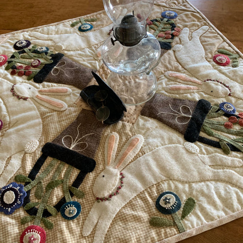 Heart To Hand's Woolen Table Topper Kit - Run Rabbit Run
