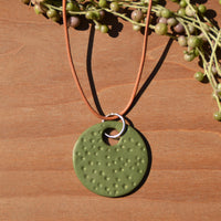 Olive Textured Polymer Clay Statement Necklace y JAX Atelier