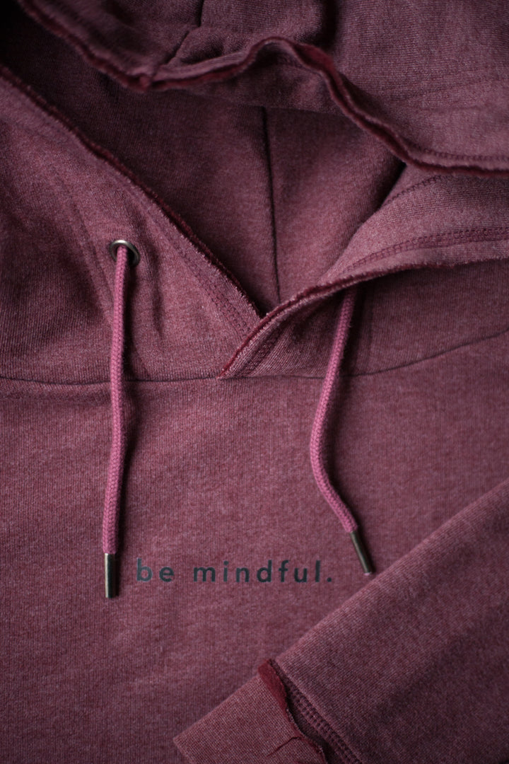 BE MINDFUL HOODIE whosrob.de detail