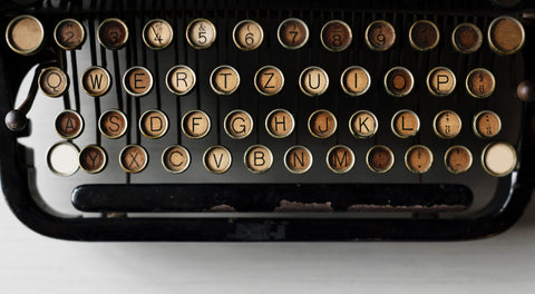 Antique typewriter – The Darling Axe Editing Services and Novel Development – First draft advice blog post