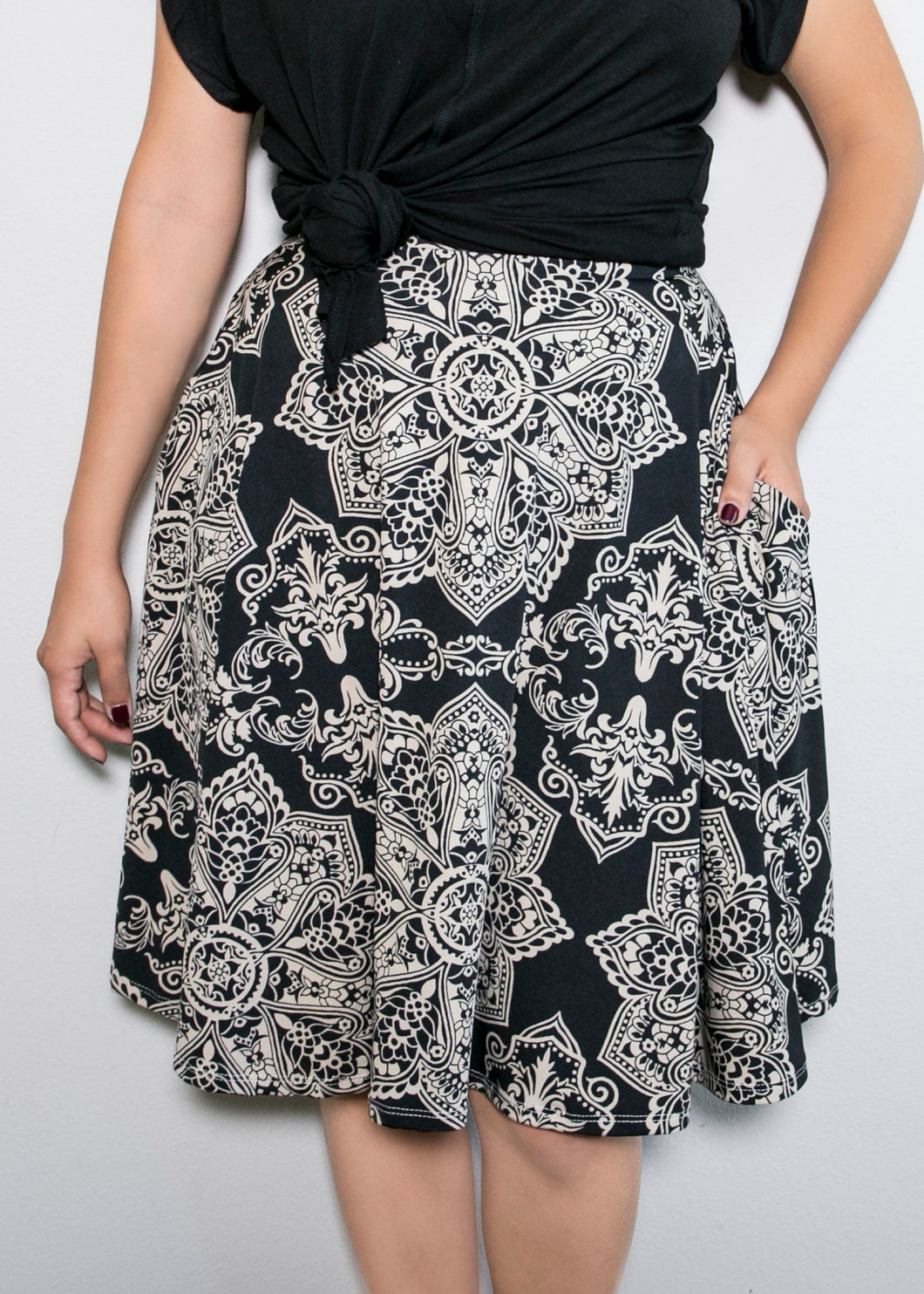 Bloom Skirt - Black and Cream - XL