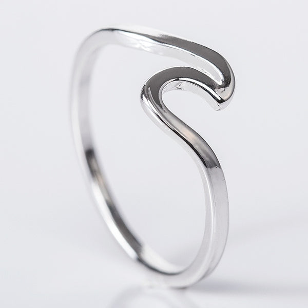 Minimalist Wave Ring - flipkarto