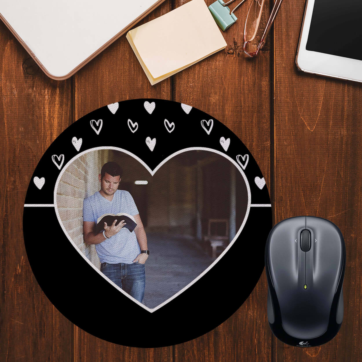 White Hearts Photo Mouse Pad (Round)