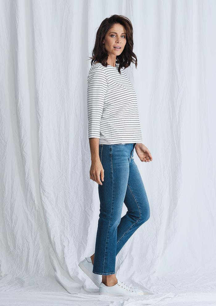 Relaxed Boat Neck - Optical Stripe