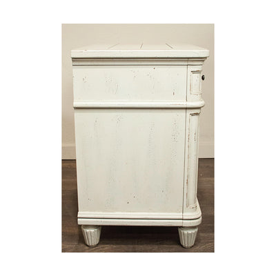 Huntleigh 3-Drawer Nightstand