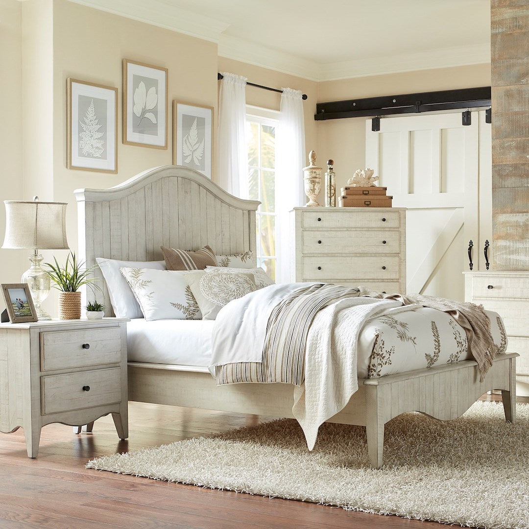 Cottage White Solid Pine Bed
