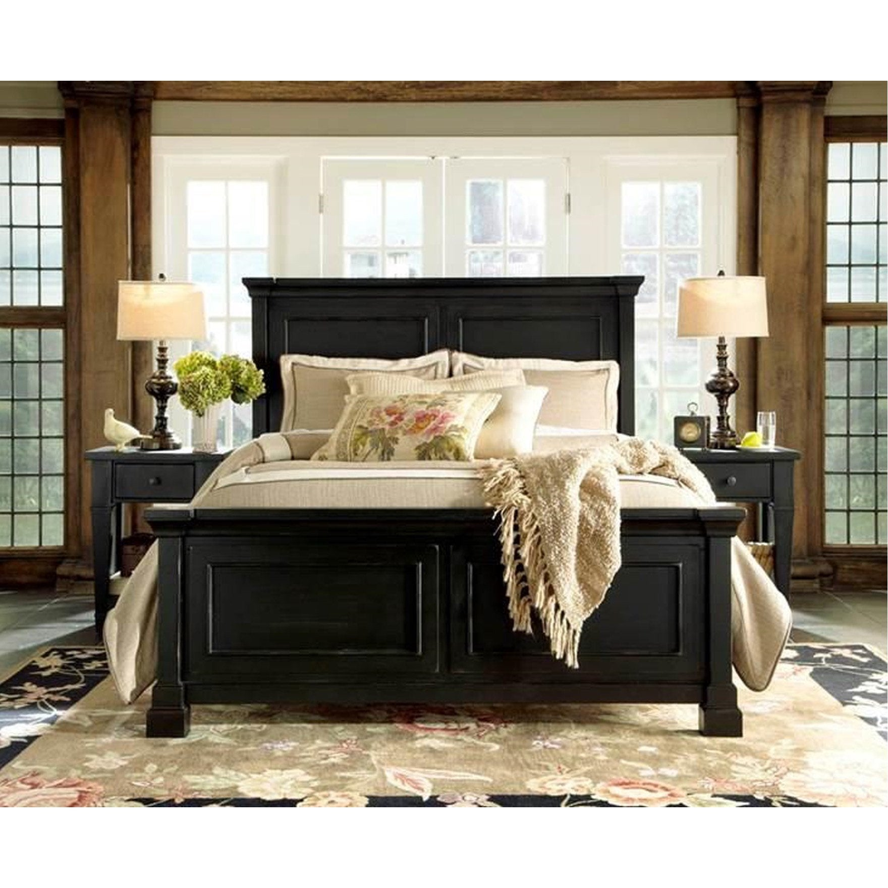 Ravenswood Queen Panel Bed