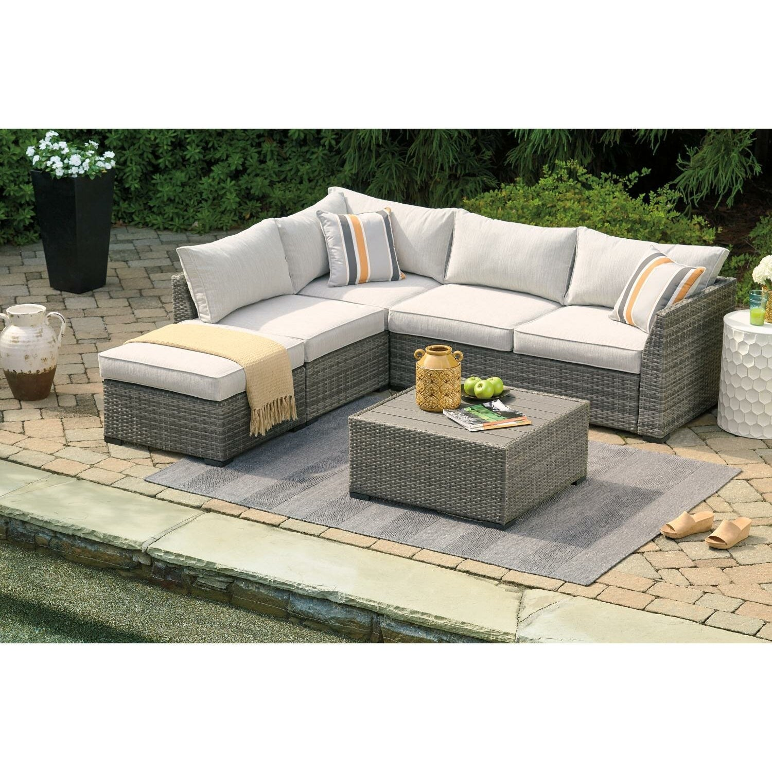 Shelter Island 4-Piece Outdoor Sectional