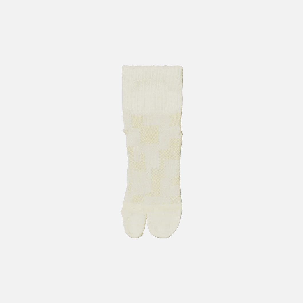【SYN:】01_14 TRAIL RUNNING SOCKSエクリュ