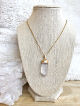 Load image into Gallery viewer, Quartz Necklace - Gemstones&Co