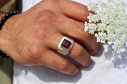 Mens Garnet Ring - Gemstones&Co