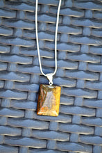 Charger l'image dans la galerie, Tiger Iron Necklace