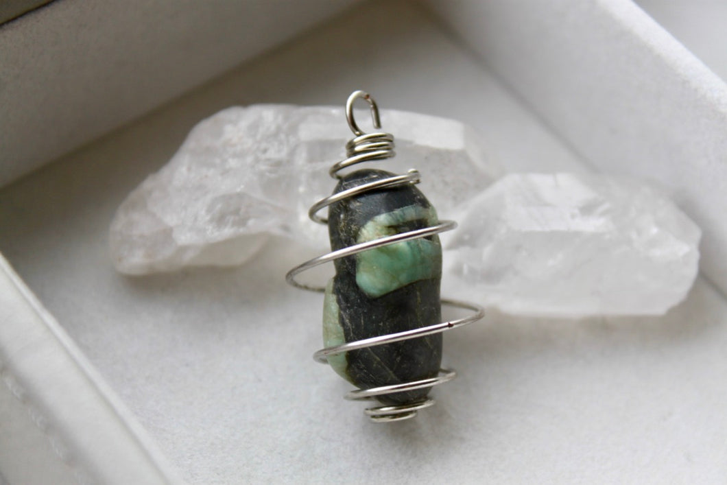 Emerald Pendant - Gemstones&Co