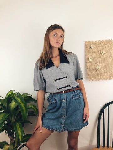 mini skirt outfit for fall and back to school with a vintage top