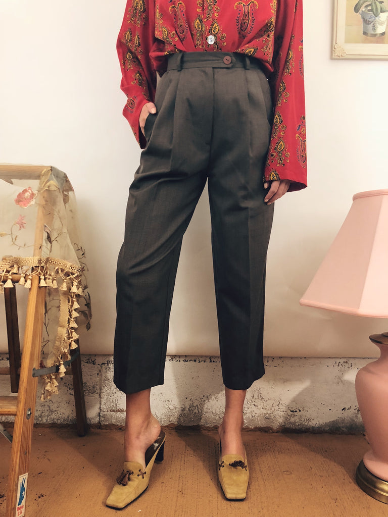 "Classic Highwaisted Cropped Trousers (24-25"")"